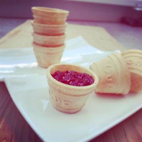 Eetbaar cupje of bakje voor saus of jam met