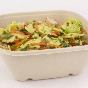 Vierkante saladebowl ongebleekt suikerriet 1000 ml gevuld